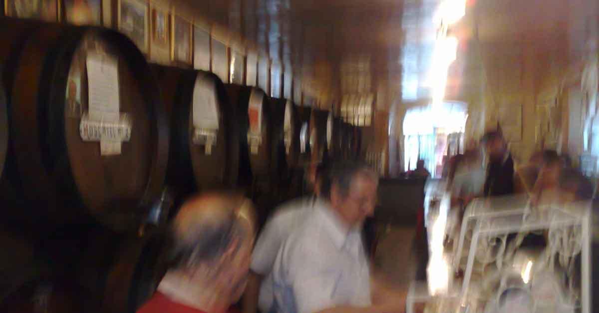 Achtung: Trink keinen Málaga Wein!