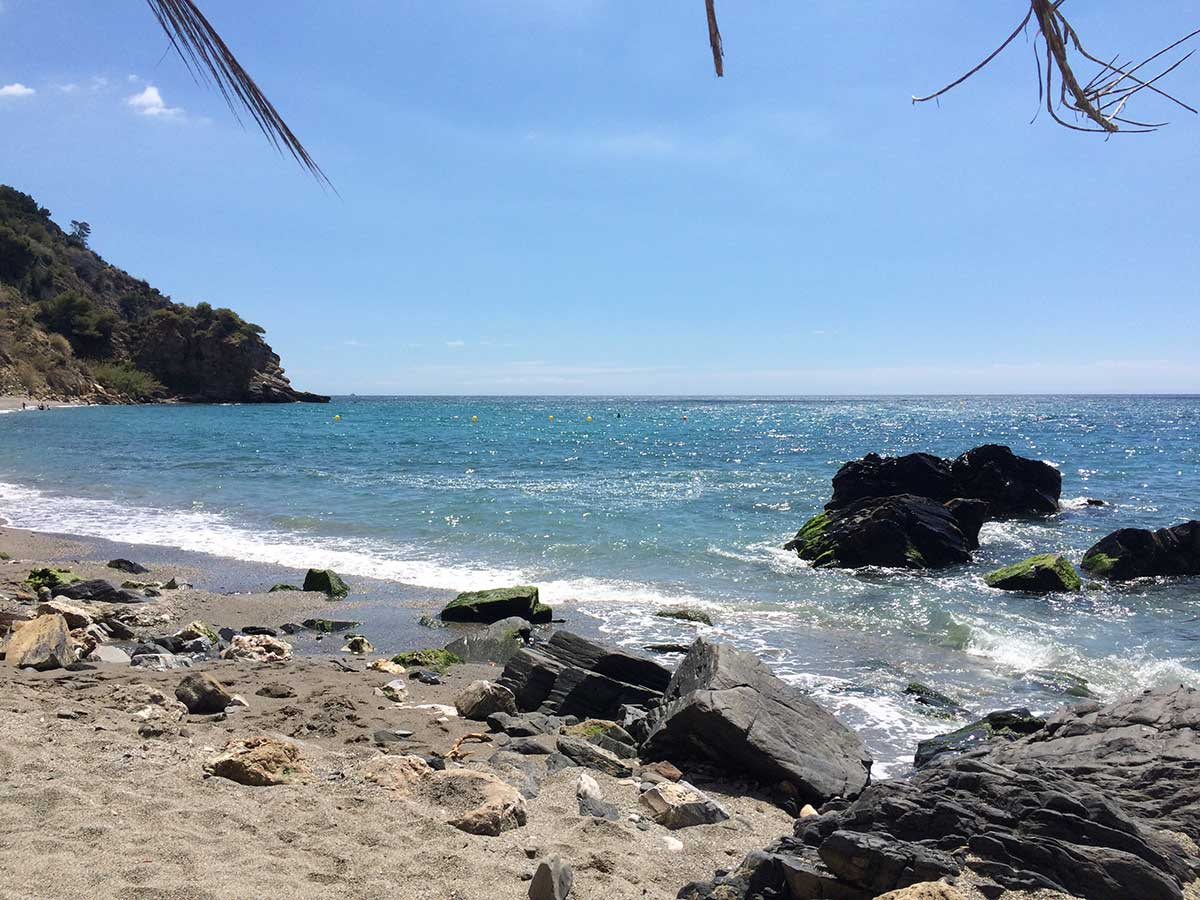 Maro Cerro Gordo, Strand