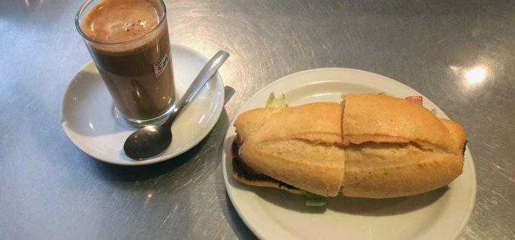 Darum heisst kleines Brötchen in Málaga Pitufo (Schlumpf)