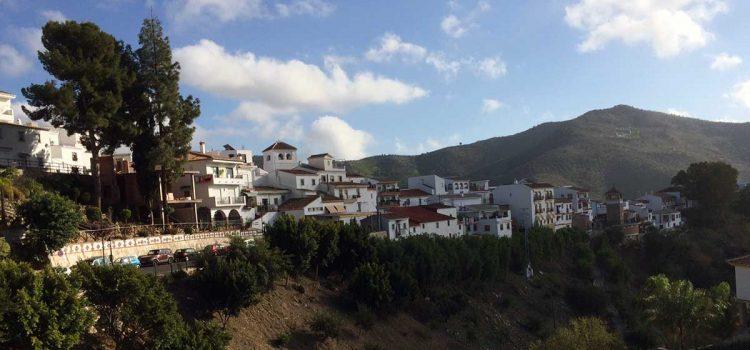 Weisses Dorf Totalán in Málaga